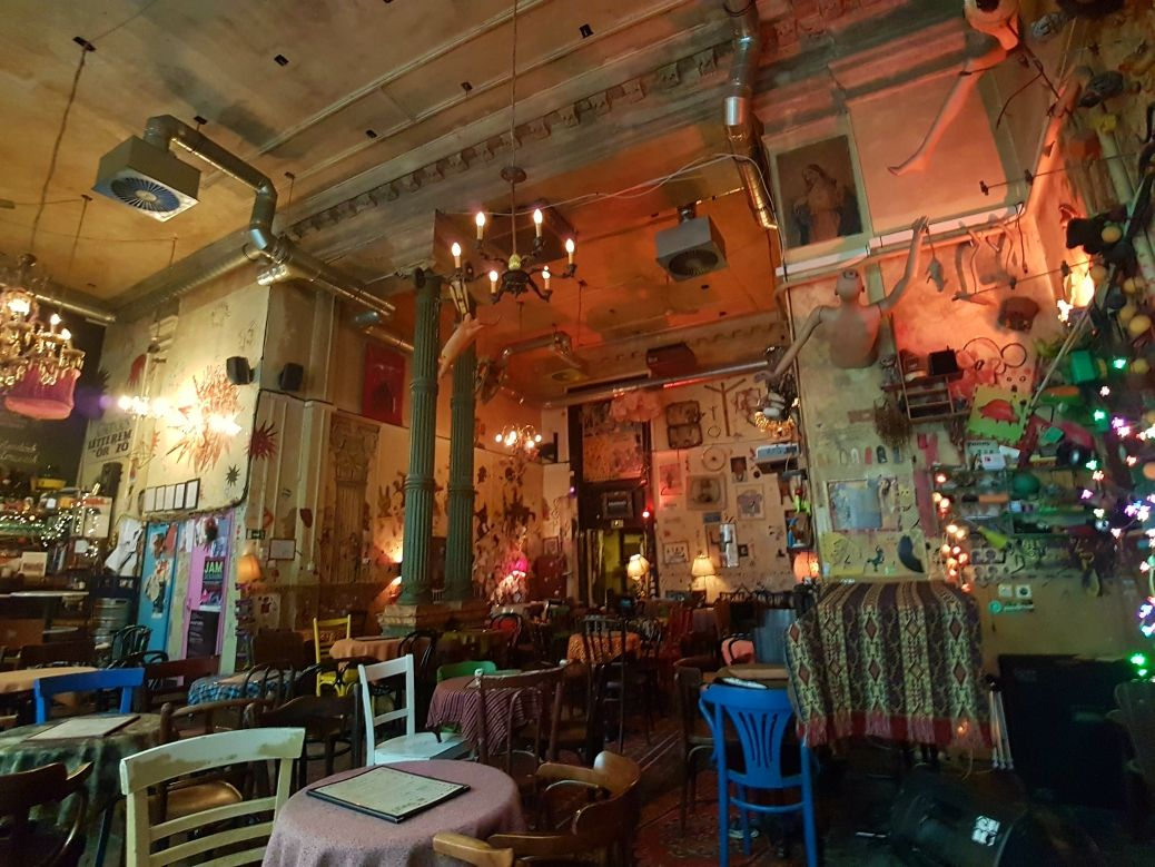 Csendes Bar